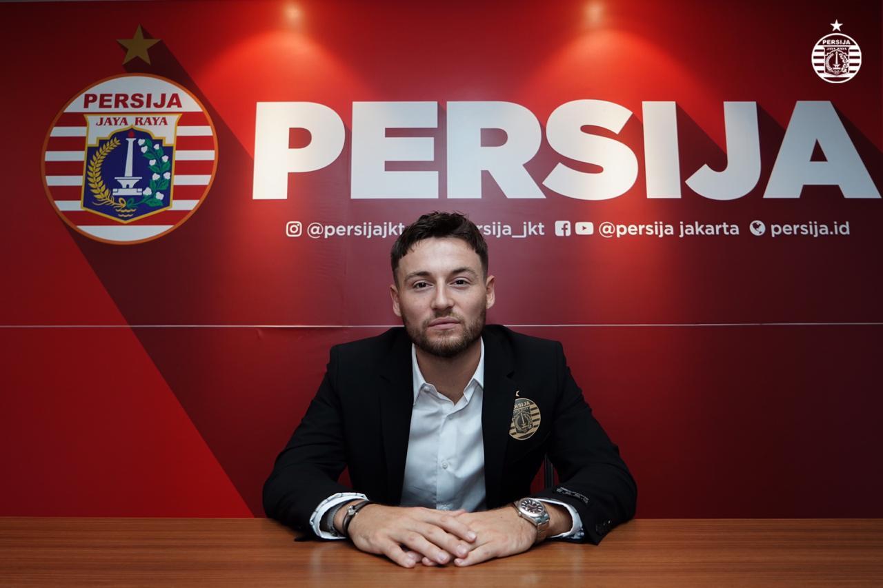Persija Jakarta secara mengejutkan mengabarkan bahwa mereka melepas salah satu pemain bintangnya, Marc Klok. (foto: Persija)