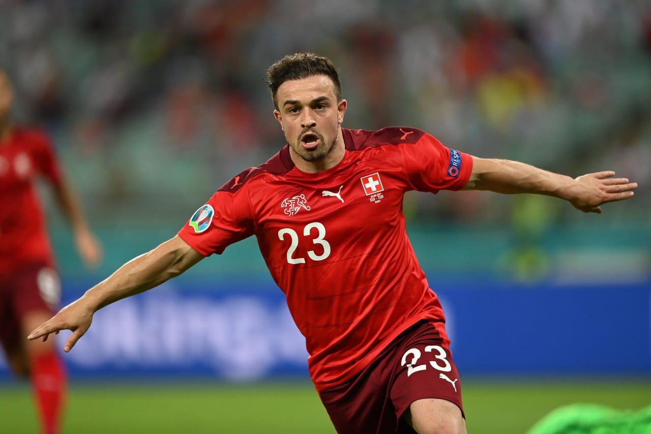 Xherdan Shaqiri selebrasi dalam pertandingan Swiss vs Turki di Piala Eropa 2020. (foto: Twitter Euro 2020)