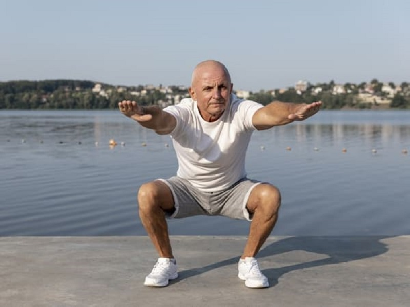 Ilustrasi: olahraga untuk para lansia (foto: Boldsky)