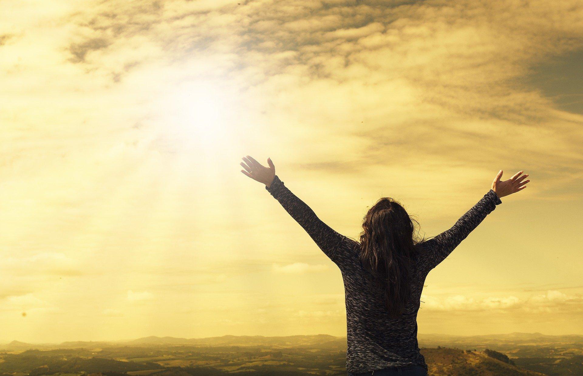 Diberkahi Surga, 5 Zodiak Ini Rezekinya Menjulang Tinggi