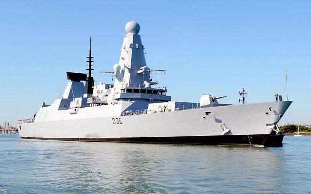 Kapal Perusak tipe 45 HMS Defender yang dianggap cari perkara oleh RUsia lantaran berlayar di periaran Laut Hitam. (Foto: OGL/Defense Images/Royal Navy)
