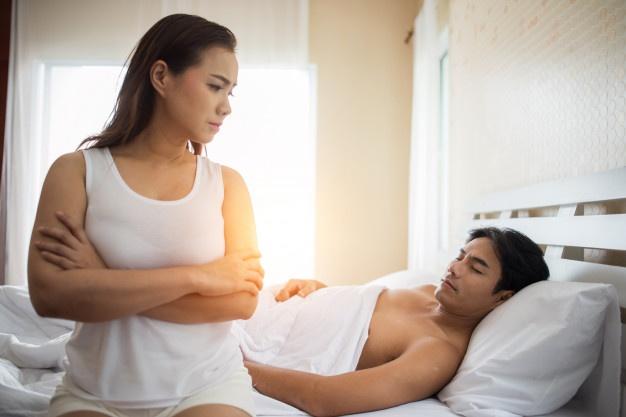3 Ciri Pasangan yang Mau Enak Sendiri di atas Ranjang