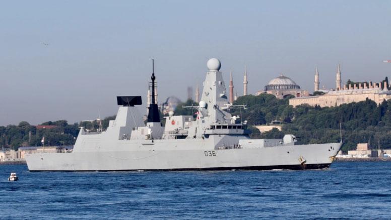 Kapal Perang Inggris Masuk Krimea, Rusia Jatuhkan 4 Bom