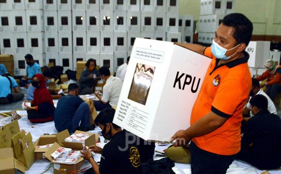 Pengamat Bongkar Permainan Bandar Tentukan Pemilihan Presiden (Foto: JPNN.com/GenPI.co)