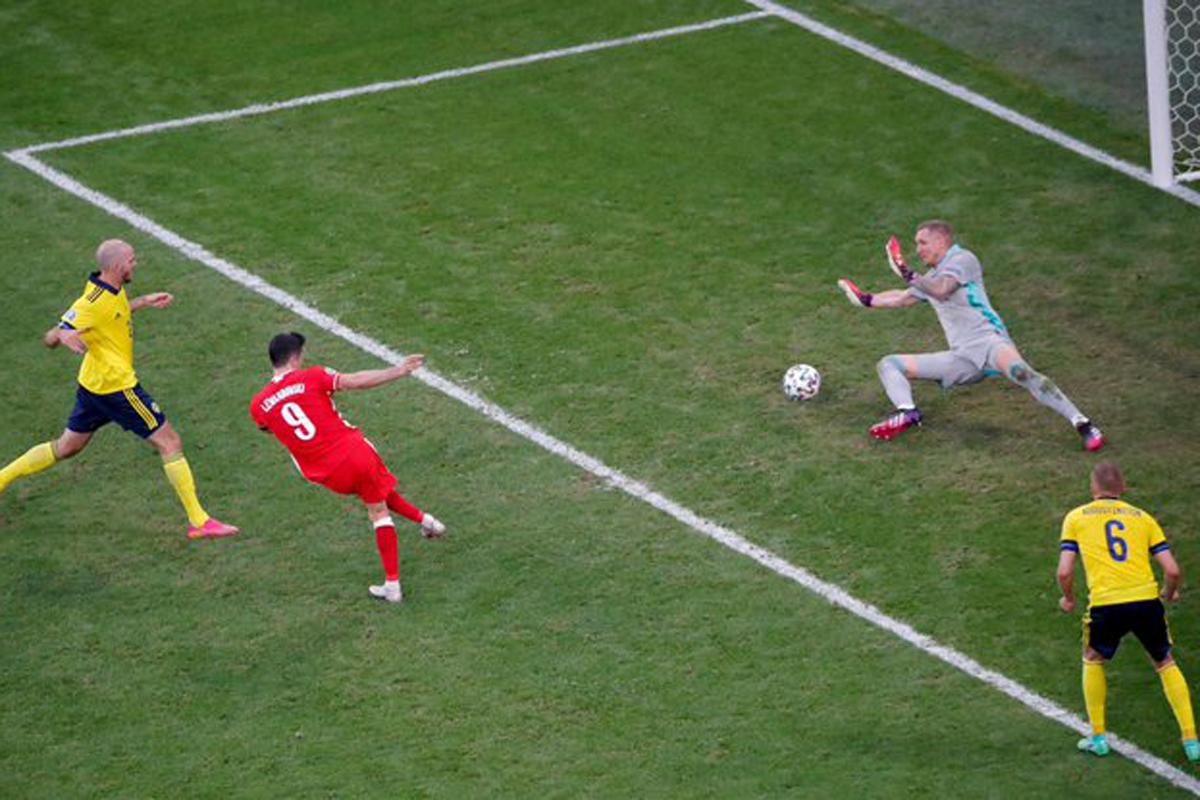 Swedia vs Polandia 3-2: Aduh, Kasihan Sekali Lewandowski