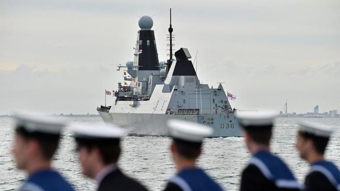 Rusia Keras, Kapal Perang Inggris AkanDitenggelamkan