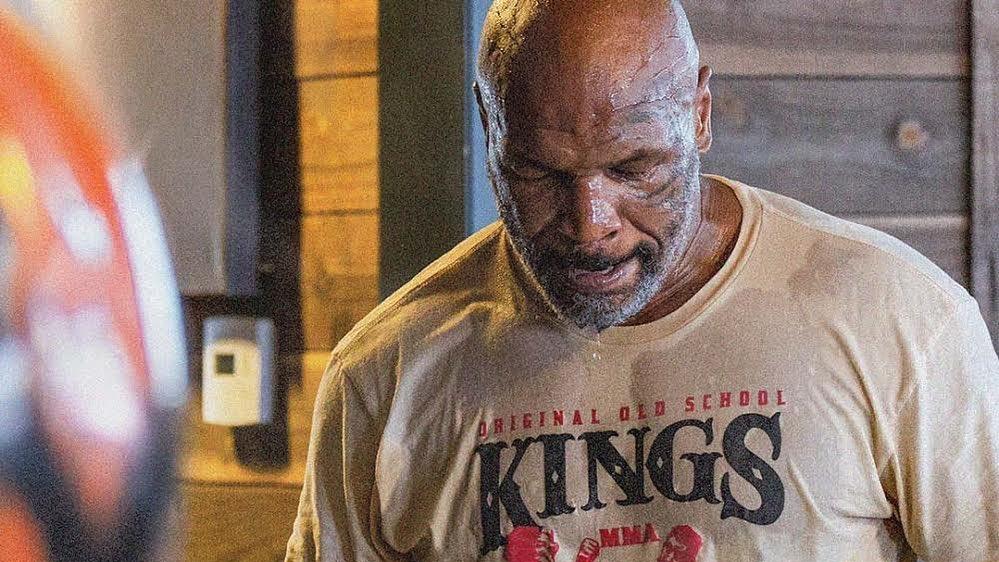 Mike Tyson memang memiliki banyak kisah yang menarik untuk dikupas, termasuk kisahnya bersama burung kesayangannya. (foto: instagram.com/miketyson)