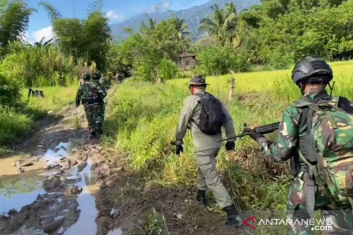 dokumen - Pencarian Kelompok Mujahidin Indonesia Timur (MIT) Poso, Sulawesi Tengah oleh Tim Satuan Tugas Madago Raya. (FOTO: ANTARA/HO/Dokumentasi Satgas Madago Raya)