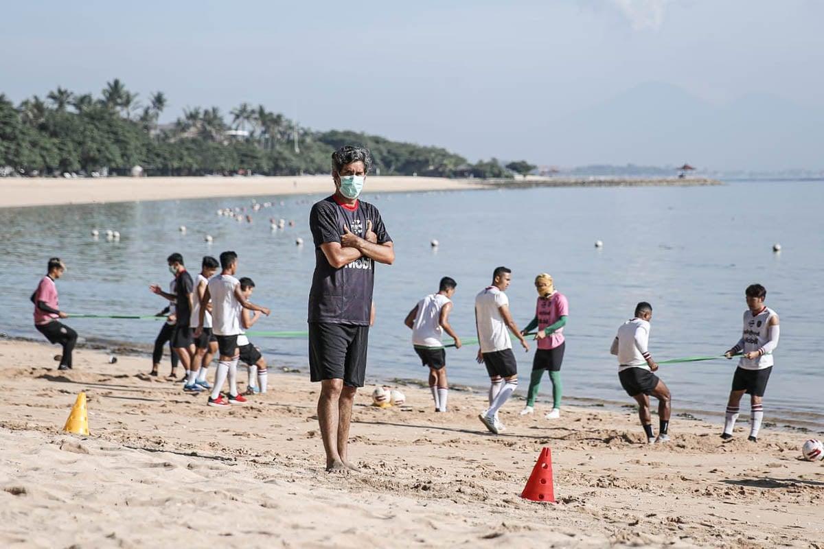 Pelatih Bali United Stefano Cugurra. (Foto: Baliutd.com)