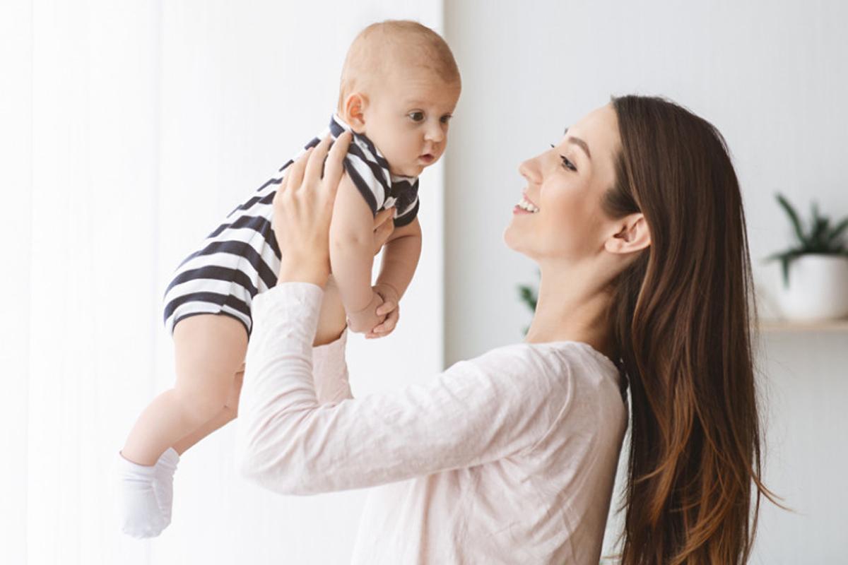 Bunda, Ketahui Waktu Tepat MPASI dan ASI Diberi ke Bayi