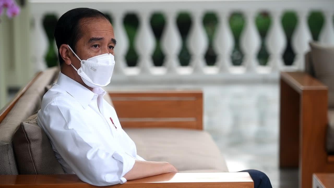 Ade Armando Beber Skenario Jokowi End Game, Gerakan Bumi Hangus