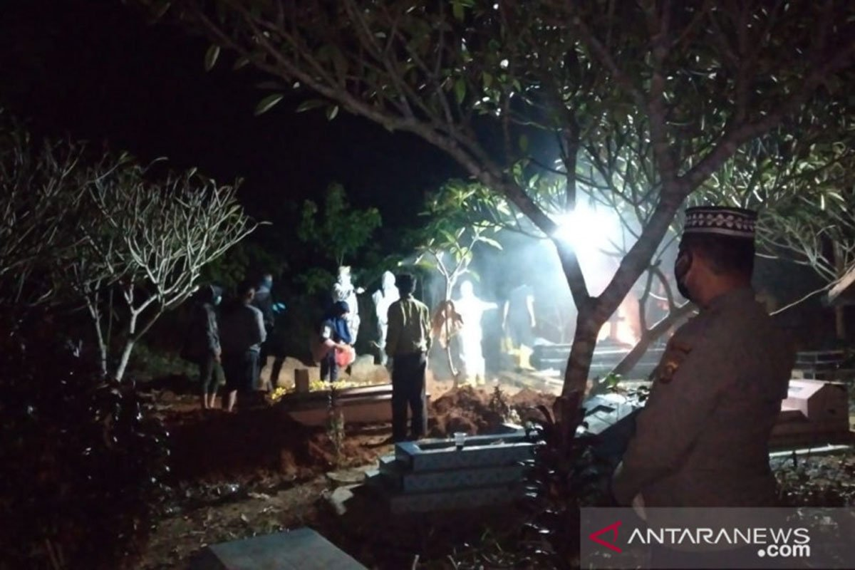 Antisipasi Penolakan, Polisi Amankan Pemakaman Jenazah Covid-19