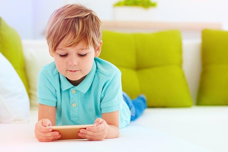5 Cara Mencegah Miopia pada Anak Akibat Belajar Daring