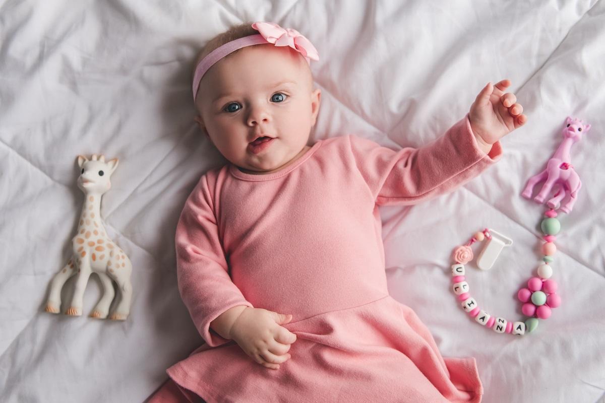 10 Inspirasi Nama Bayi Perempuan, Maknanya Pahlawan!