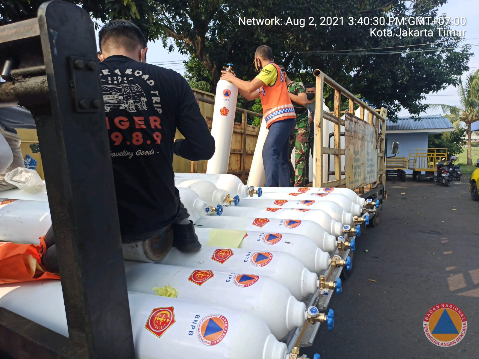 Covid-19 Papua Menggila, BNPB Kirim 50 Tabung Oksigen & Logistik