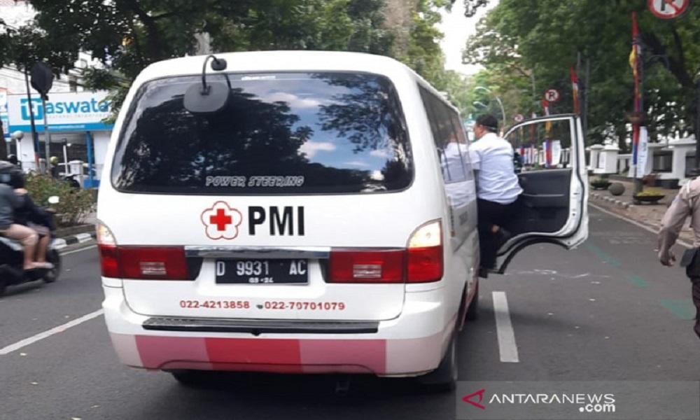 Pengusaha Kuliner Nekat Coba Bunuh Diri di Depan Balkot Bandung