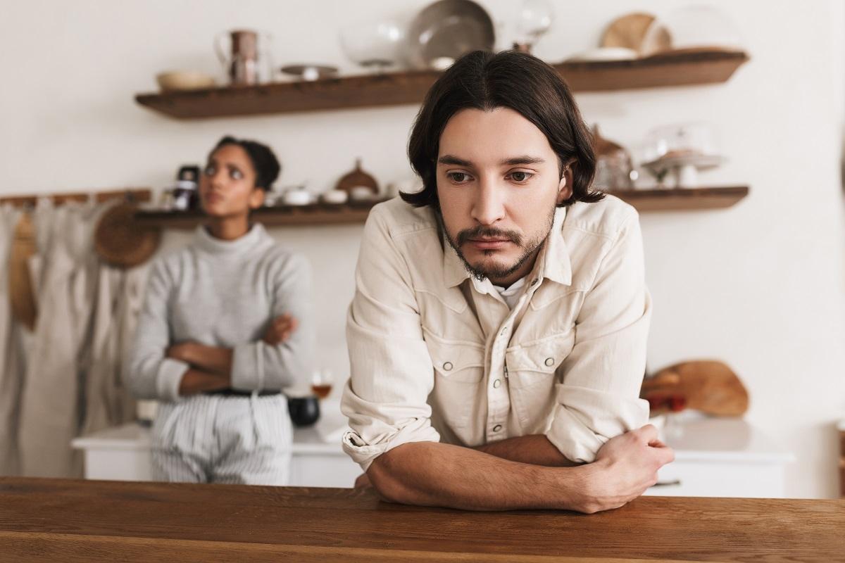 Kalau Pria Menunjukkan 3 Sikap, Tanda Dia Sedang Cemburu Berat