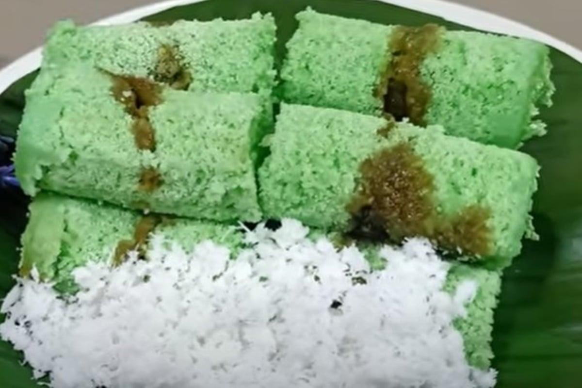 Resep Kue Putu Kayak Pedagang, Buatnya Tak Pakai Cetakan Bambu