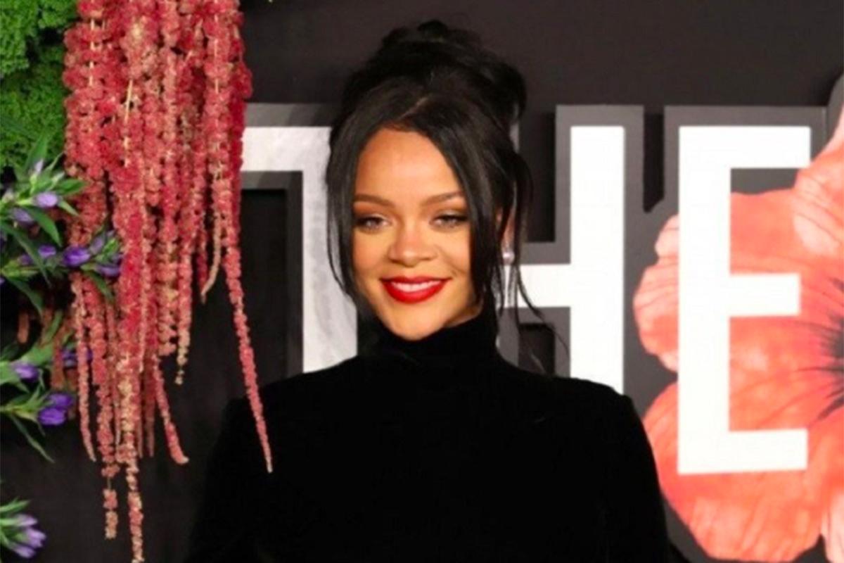 Berkat Bisnis Kosmetik, Rihanna Jadi Wanita Terkaya Kedua Dunia