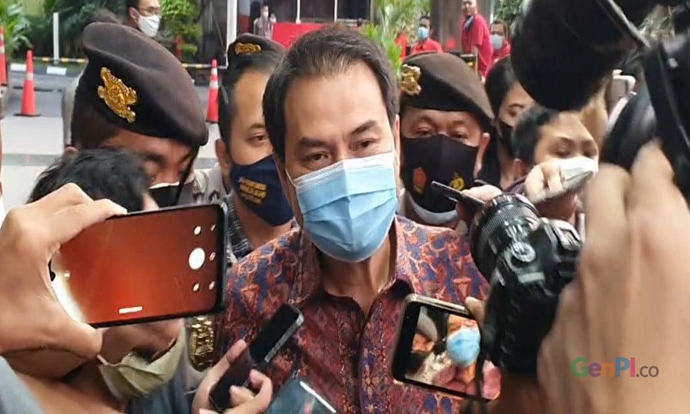 Wakil Ketua DPR Azis Syamsuddin usai diperiksa KPK. FOTO: Panji