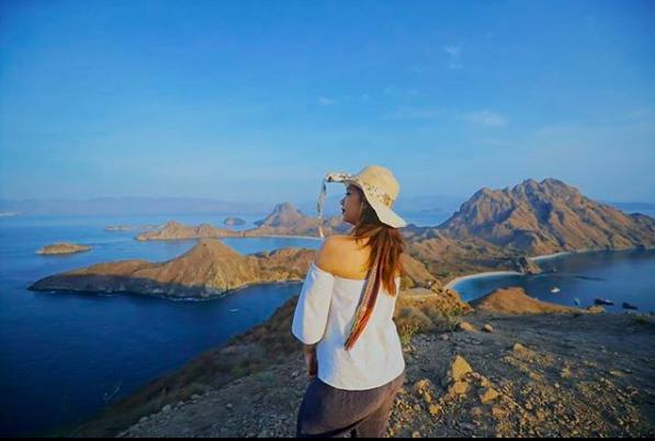 Siapa Sosok Travel Blogger Indonesia Favorite-mu? dan mengapa ia menjadi favorite bagimu?