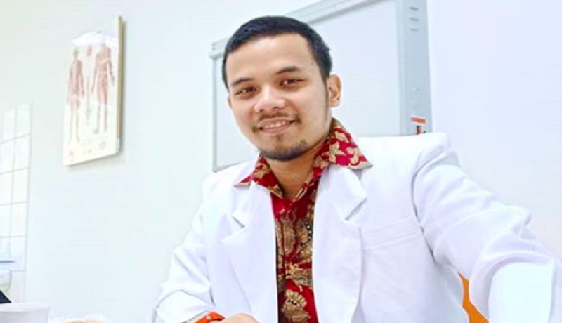 Spesialis kedokteran olahraga, dr Dhika (foto: Instagram @dhika.dr)