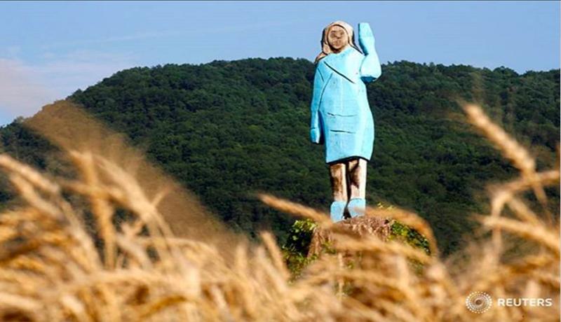 Patung Melania Dibakar, Trump Naik Pitam