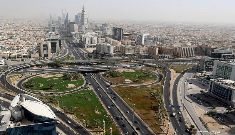 Jam Malam Dicabut, Kasus Covid-19 di Arab Saudi Membeludak