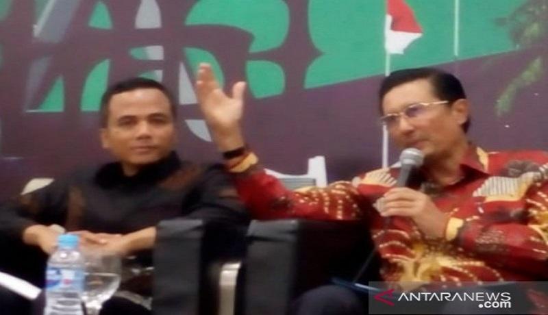 Fadel Muhammad saat diskusi di gedung DPR Jakarta. Foto: Antara