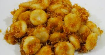 Kue putri mandi (Foto: Youtube borneo recipe)