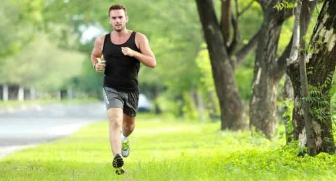 Ilustrasi - Hari olahraga nasional mengingatkan siapapun untuk mulai hidup sehat. Olahraga bisa dimulai dengan cara sederhana salah satunya lari. (Sumber foto: The Health Site)