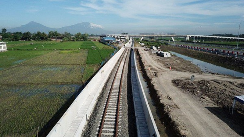 Lintasan rel sepanjang 12,97 km yang akan dilalui Kereta Bandara Solo (foto: Sarah)