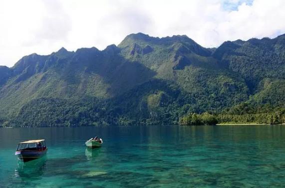 Taman Nasional Manusela di Maluku Tengah. Sumpah indah banget! (Foto : Corefanzone)