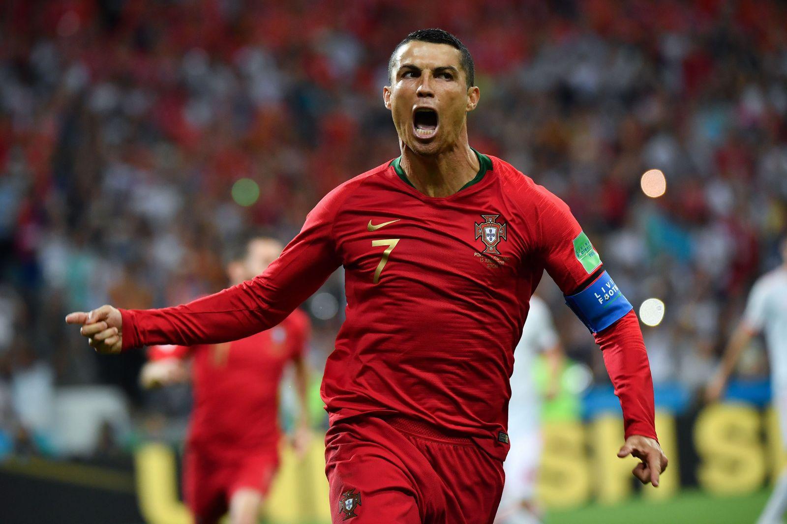Laga Lithuania vs Portugal pada Kualifikasi Piala Eropa 2020 menjadi panggung bagi Cristiano Ronaldo. Foto: Twitter UEFA Euro 2020