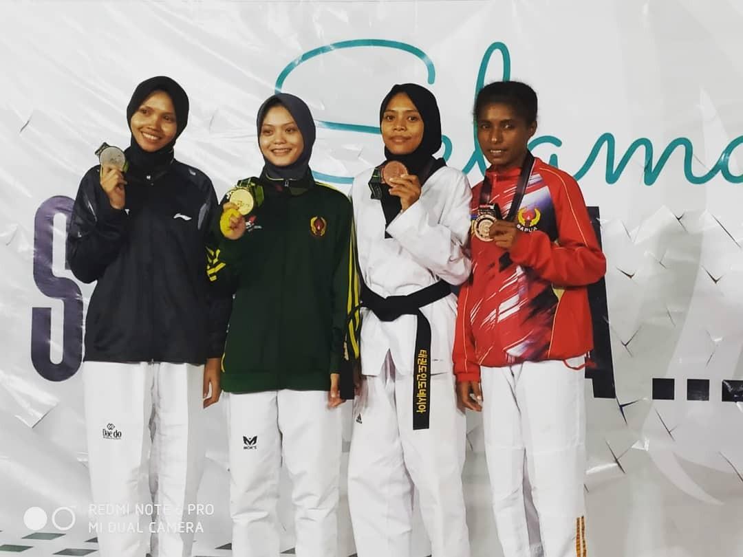 Dua atlet Taekwondo asal Gorontalo siap unjuk gigi di PON 2020 setelah lulus prakualifikasi. Hebat! (Foto : Humas Dikbudpora Gorontalo)