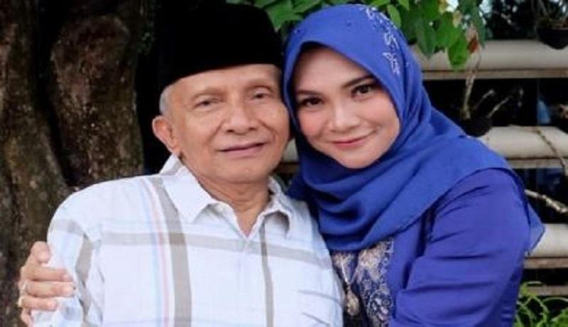 Hanum Rais bersama ayahnya, Amien Rais. (Foto: pojoksatu)