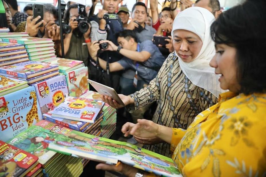Gubernur Jawa Timur Gubernur Jawa Timur Khofifah Indar Parawansa saat membuka BBW 2019 di Surabaya.(Foto: Humas Prov Jatim)