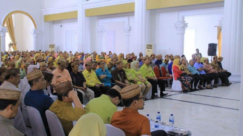 ASN Gorontalo dapat tugas tambahan mulia yakni memviralkan destinasi wisata di sana. Semangat! (Foto : Humas Pemprov Gorontalo)