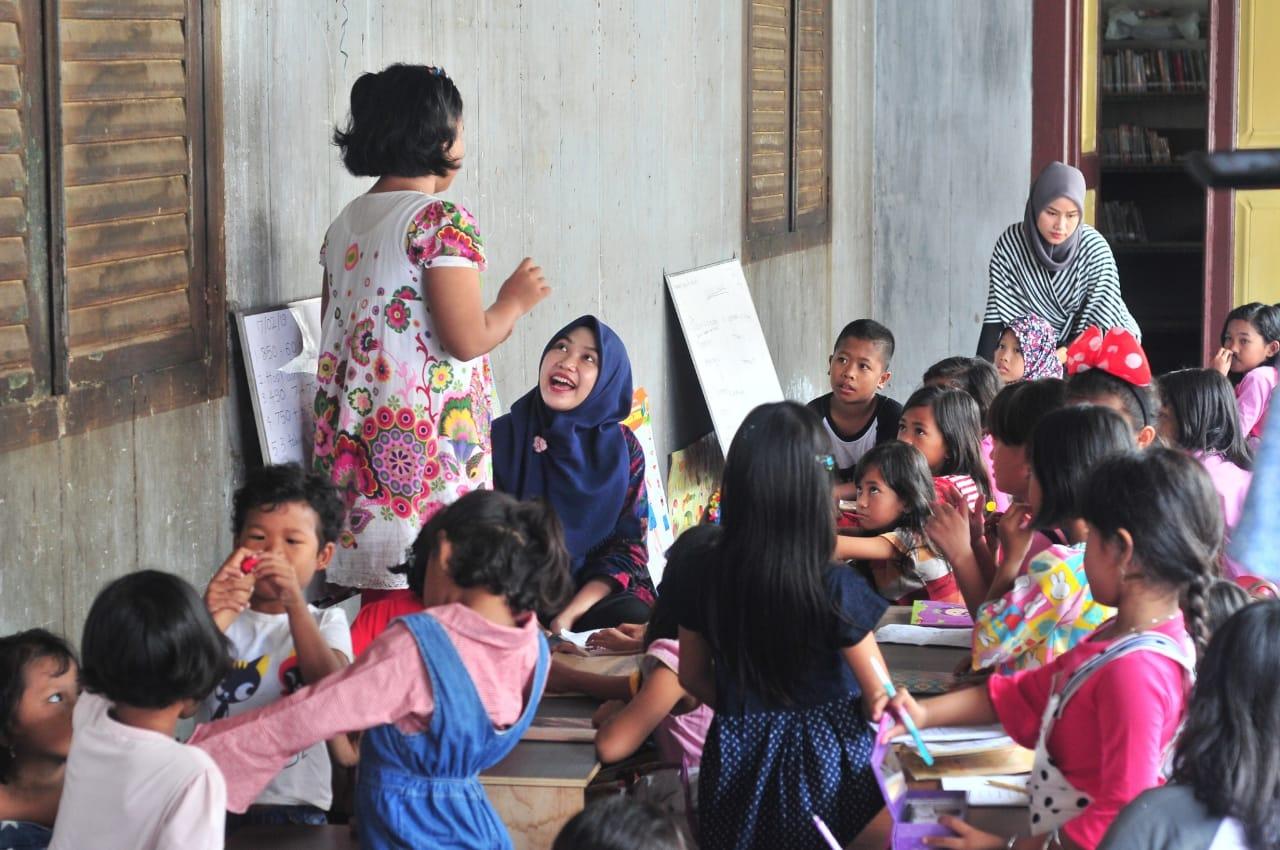 kegiatan Komunitas Berani Bergerak di Kampung Kapiten, palembang. (Foto: Dian Anwari)
