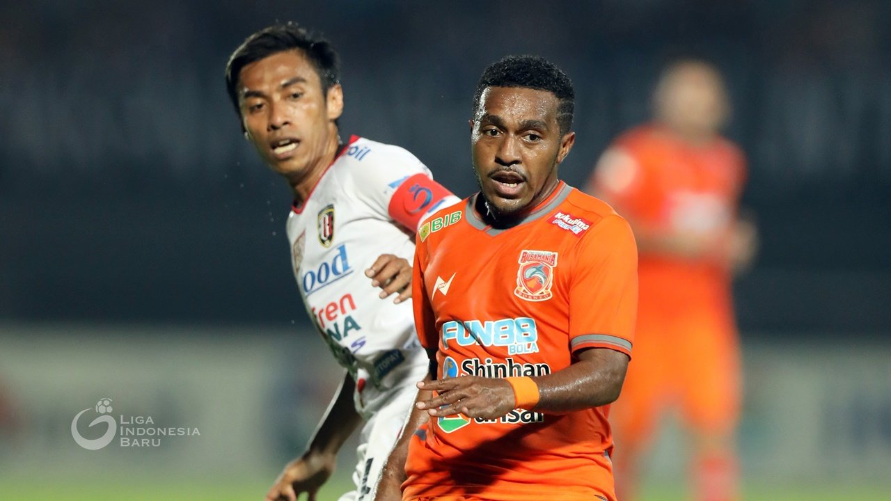 Terens Puhiri mencetak satu gol saat Borneo FC mengalahkan Kalteng Putra dengan skor 2-0 pada lanjutan Liga 1 2019. Foto: Liga Indonesia