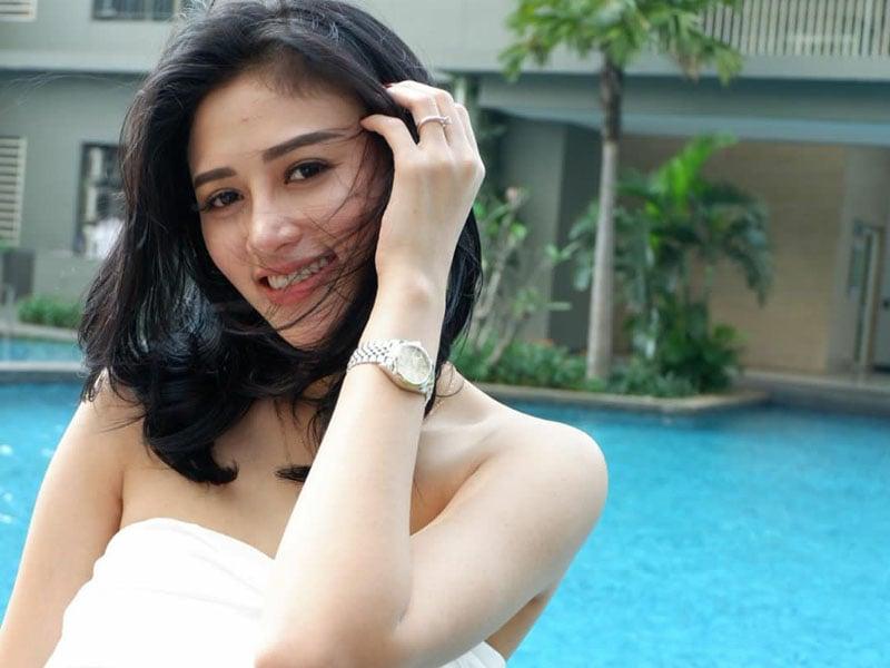 Grace Iskandar merupakan salah satu model seksi Indonesia. Foto: Instagram/Graceiskandar