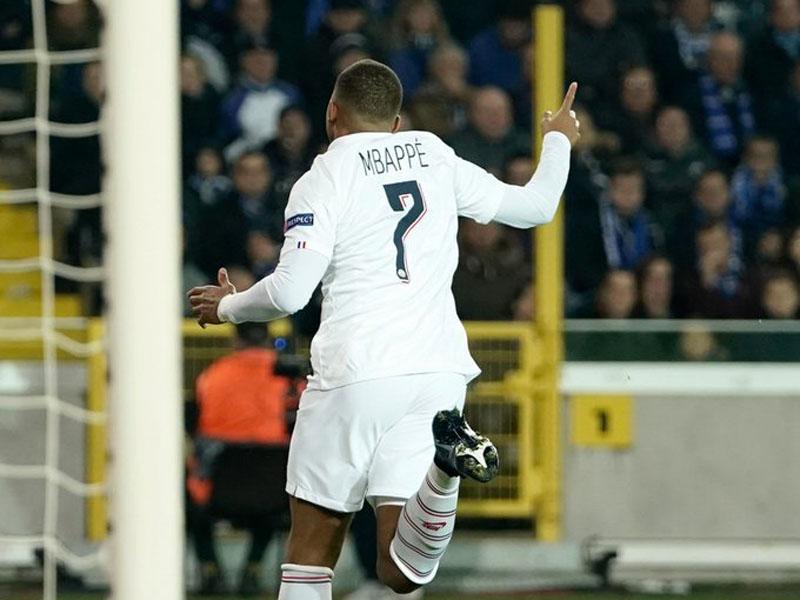 Kylian Mbappe mencetak tiga gol saat membantu Paris Saint-Germain menekuk Club Brugge dengan skor 5-0. Foto: Twitter Champions League