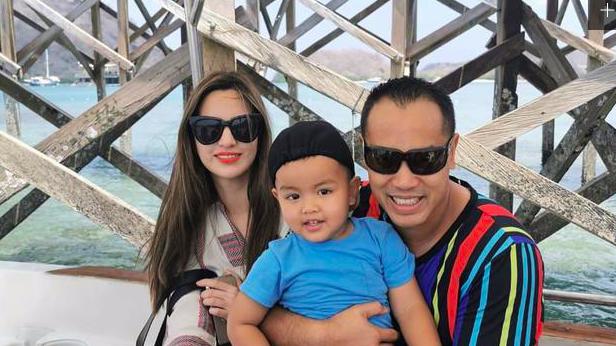 Momen liburan Nia Rahmadani dan keluarganya. (Foto: @ramadhaniabakrie)
