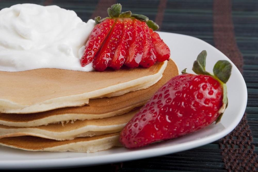 pancake bisa jadi alternatif menu sarapan yang menyenangkan sekalgius mengenyangkan. (Foto: Elements Envato)