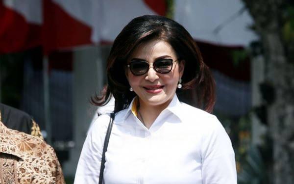 Bupati Minahasa Selatan Christiany Eugenia Tetty Paruntu gagal masuk kabinet Joko Widodo (Jokowi) pada 2019-2024. Foto: Ricardo/JPNN.Com