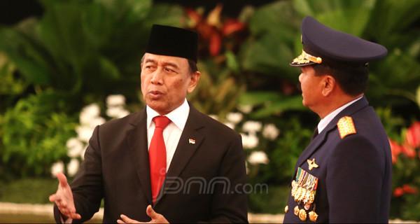 Ini detik-detik tertusuknya Wiranto di Pandeglang, Banten (Foto : JPNN)