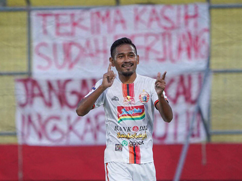 Ramdani Lestaluhu mencetak satu gol ketika Persija Jakarta mengalahkan Kalteng Putra dengan skor 3-1. Foto: Twitter/Persija
