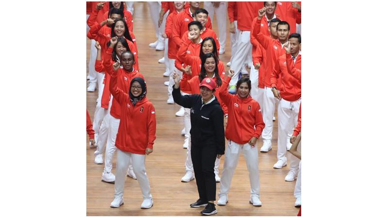Puan Maharani memberikan semangat para atlet di SEA Games 2019 (foto: IG @puanmaharani)