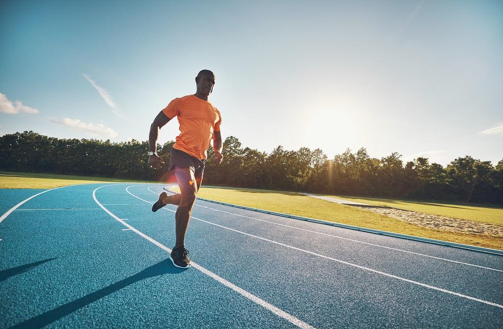 Sprint dan jogging, sama-sama olah raga lari, namun memiliki beberapa perbedaan. (foto: Elements Envato)