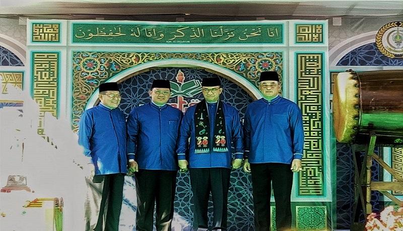 Gubernur DKI Jakarta Anies Baswedan (tengah kanan) dalam pembukaan acara MTQ DKI Jakarta ke XXVIII di Kantor Wali Kota Jakarta Pusat, Selasa (19/11). Foto: Antara